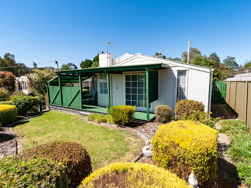 5 Tenth Street, Eildon, Vic 3713