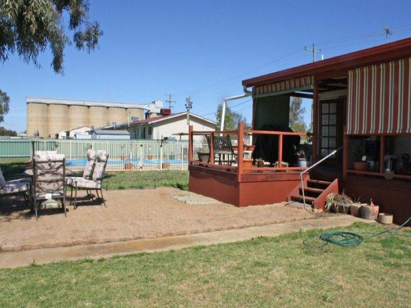 14 Percy  St, Old Junee, NSW 2652
