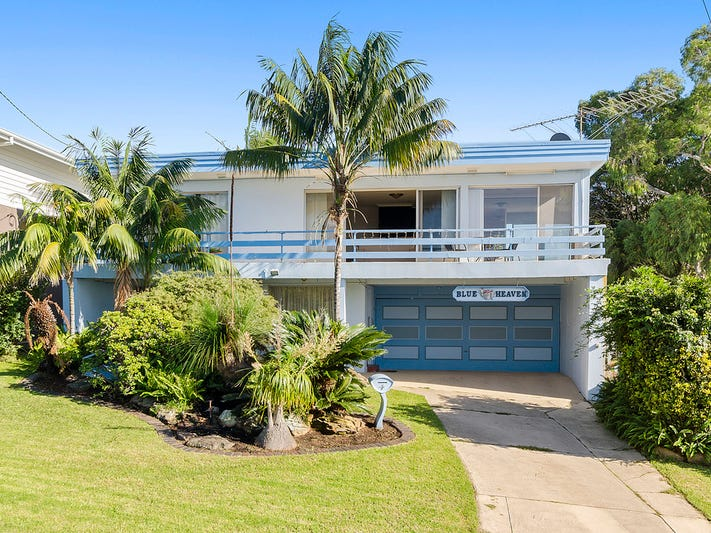 4 Rose Parade, Mount Pleasant, NSW 2519