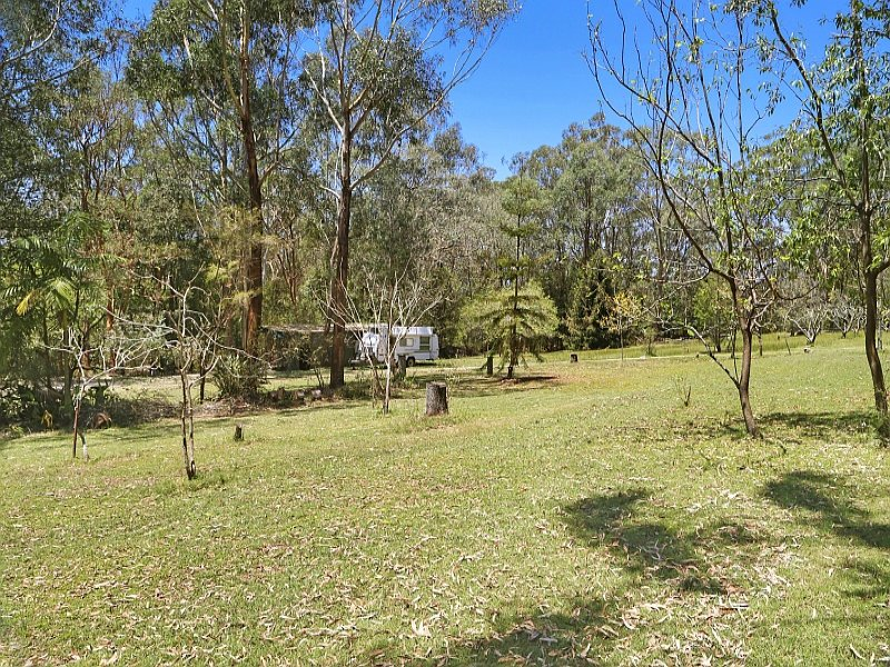 16 Bombi Road South, Macmasters Beach, NSW 2251