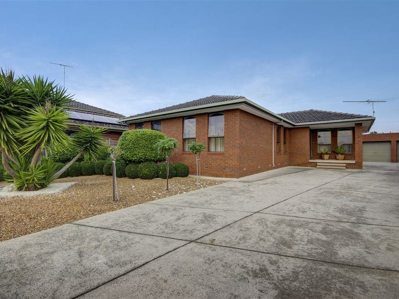 3 Manooka Court, Bell Park, Vic 3215