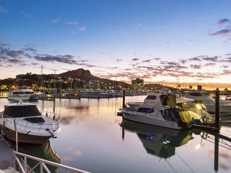 """5/48 Sir Leslie Thiess Drive """"Breakwater Quays"""", Townsville City, Qld 4810"""
