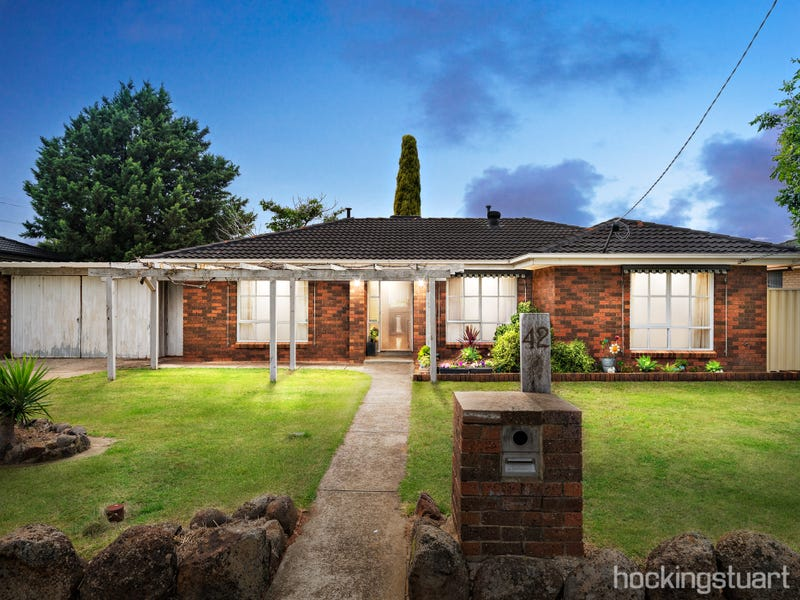42 Quail Crescent, Melton, Vic 3337