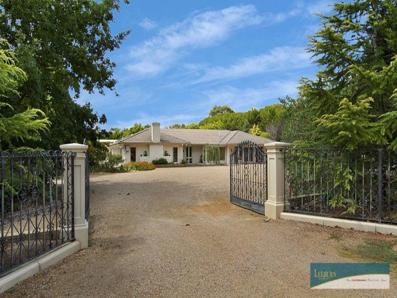 71 Mt Gisborne Road, Gisborne, Vic 3437