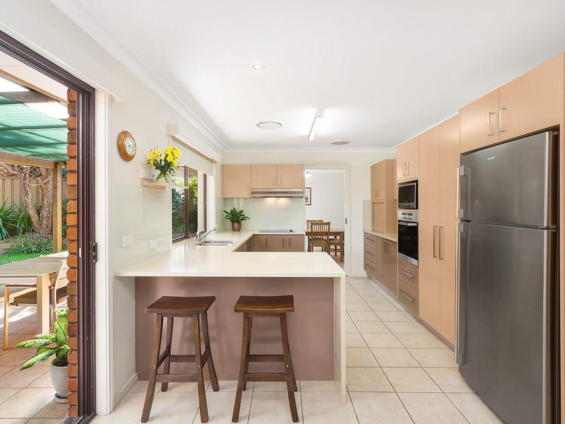 14 Judy Anne Close, Green Point, NSW 2251
