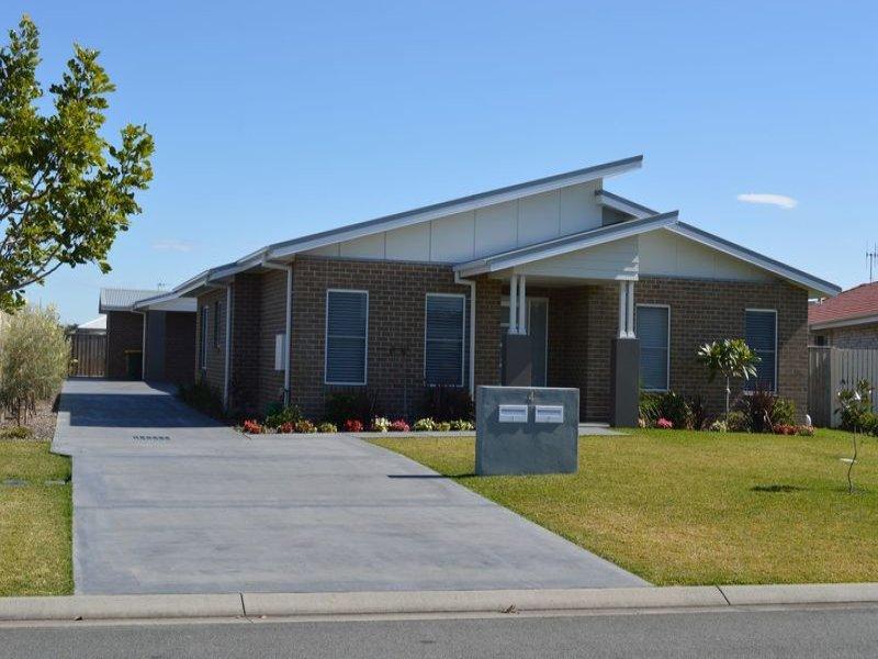 2/4 Ellen Close, Harrington, NSW 2427
