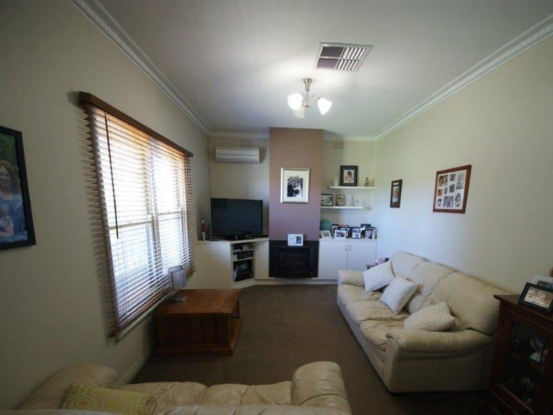 128 Decimus Street, Deniliquin, NSW 2710