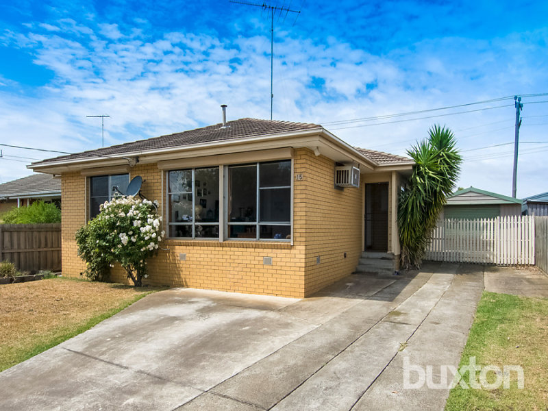 15 Young Street, Breakwater, Vic 3219