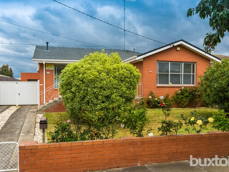 27 Young Street, Breakwater, Vic 3219