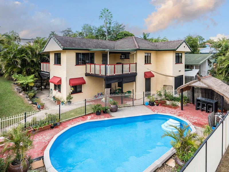 1 Camelia Street, Cannon Hill, Qld 4170