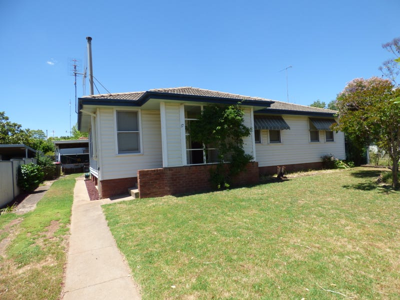 17 Holloway Street, Forbes, NSW 2871