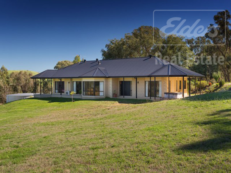 166 O'Neill Lane, Sandy Creek, Vic 3695