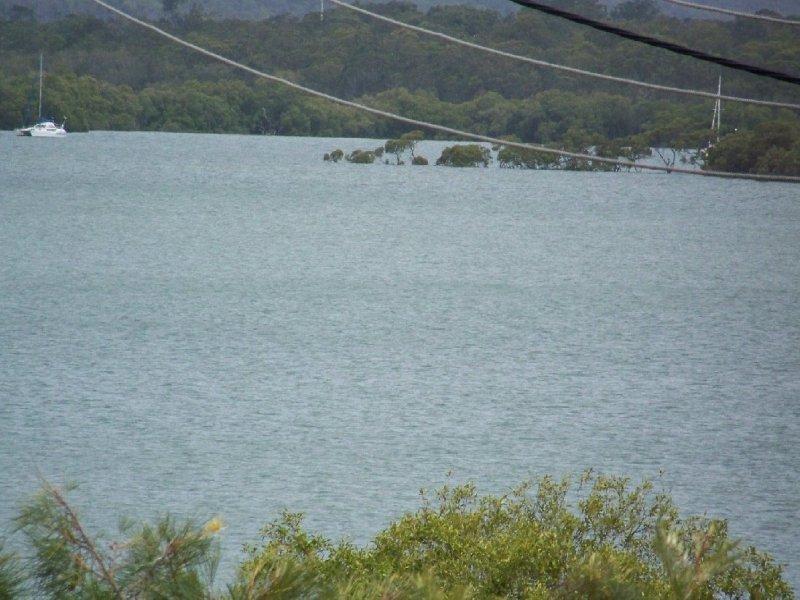 30 PAULA pde, Lamb Island, Qld 4184