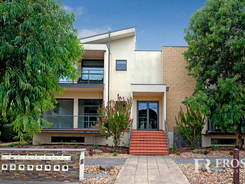 1d/29 Diamond Blvd, Greensborough, Vic 3088