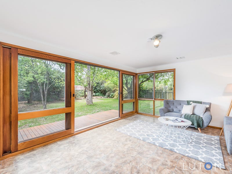 8 Lucas Place, Downer, ACT 2602