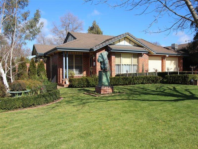 2/9 Kimberley Drive, Tatton, NSW 2650