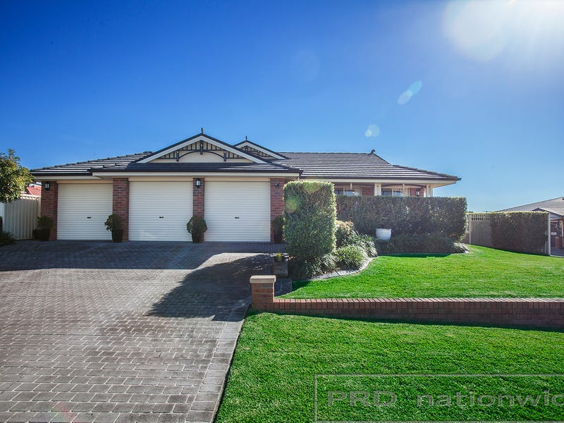 8 Sandalwood Avenue, Thornton, NSW 2322