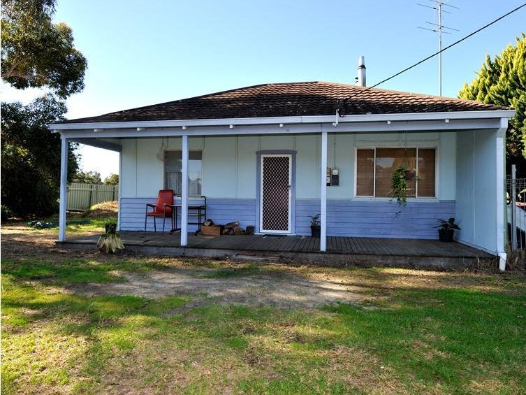 8221 South Western Highway Waroona Wa 6215 Property