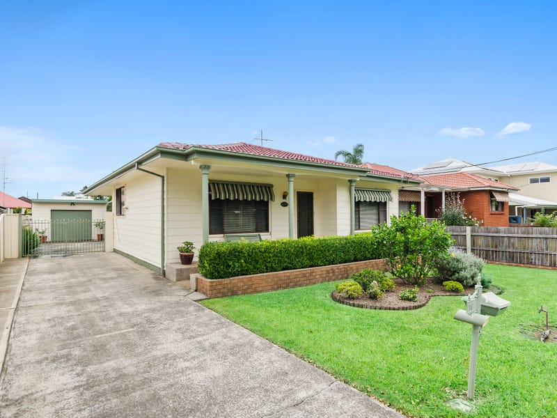 19 Royal Crescent, Woonona, NSW 2517