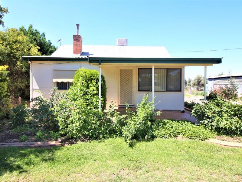 2242 Curran Road, Yenda, NSW 2681