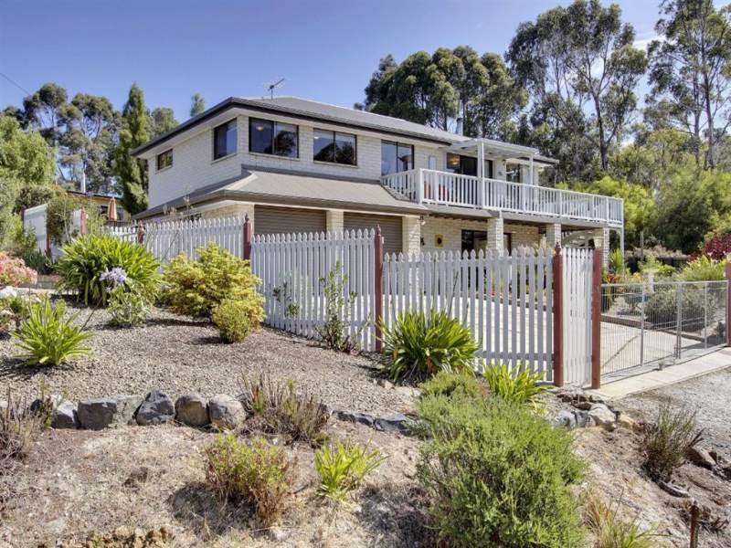 90 Flakemores Road, Eggs And Bacon Bay, Tas 7112