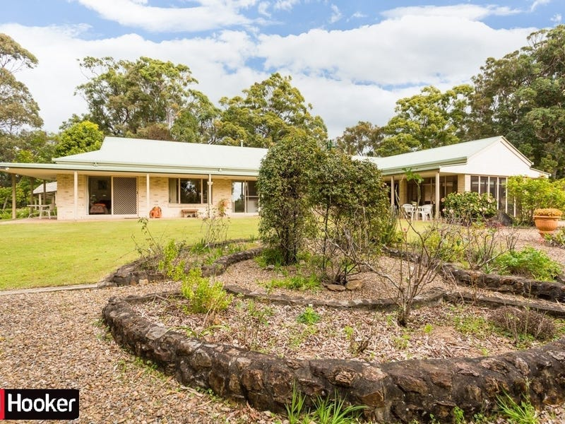 25 Chesterfield Drive, Bonogin, Qld 4213