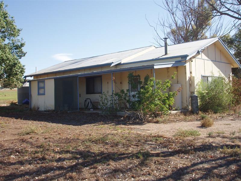 466 Lake Bywater Road, Walker Flat, SA 5238
