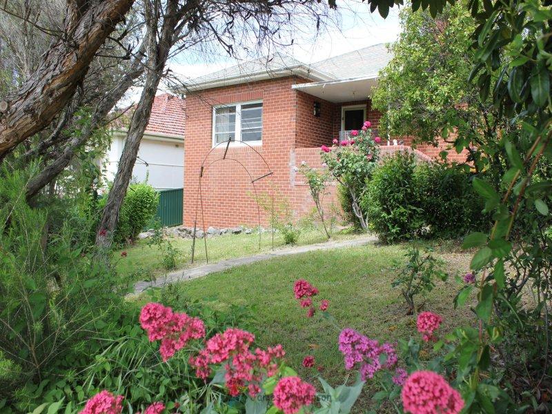 240 Lambert Street, Bathurst, NSW 2795