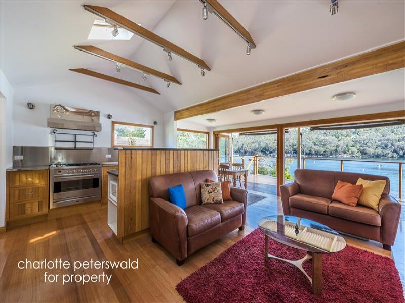 170 Church Road, Barnes Bay, Tas 7150