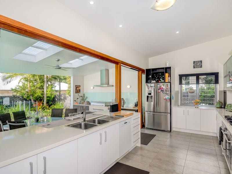 4 Jacksonia Place, Noosaville, Qld 4566