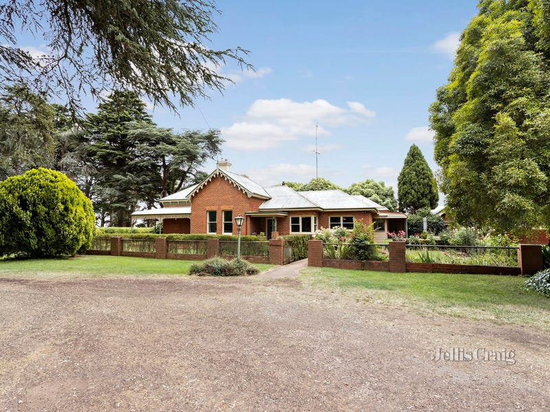 240 Daylesford Clunes Road, Blampied, Vic 3364