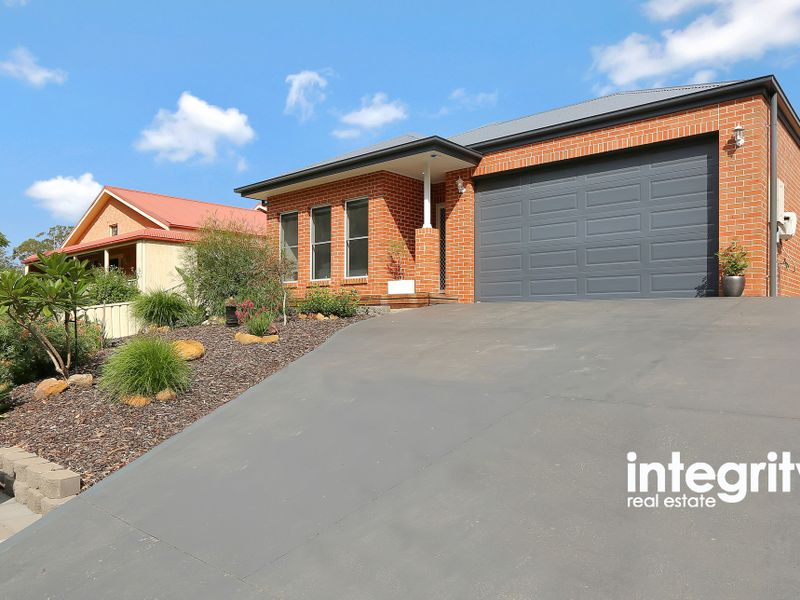 10 The Wool Road, Basin View, NSW 2540