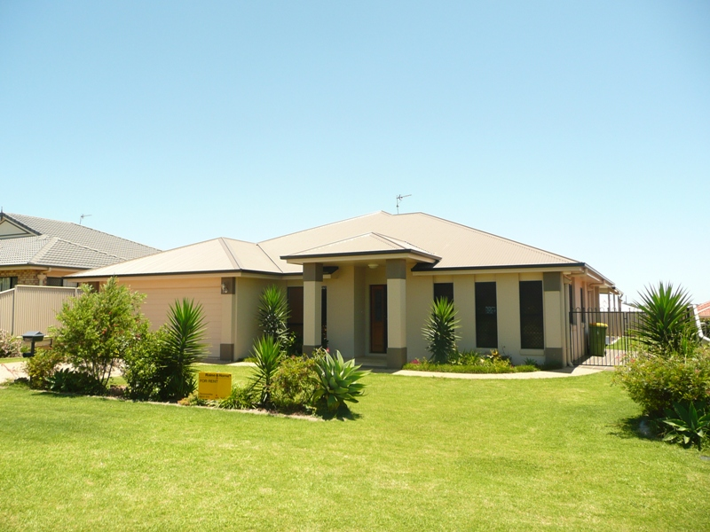 21 Calypso Crescent, Middle Ridge, Qld 4350
