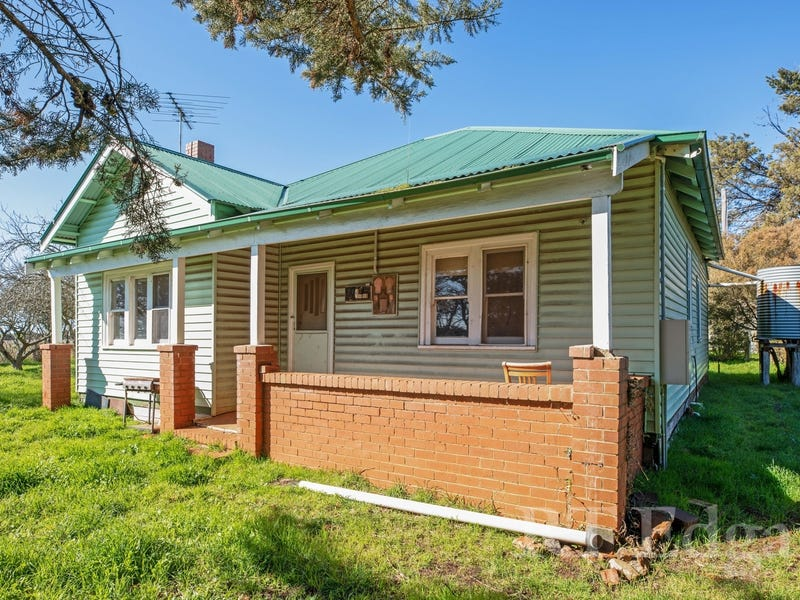 68 Cullys Road, Lancefield, Vic 3435