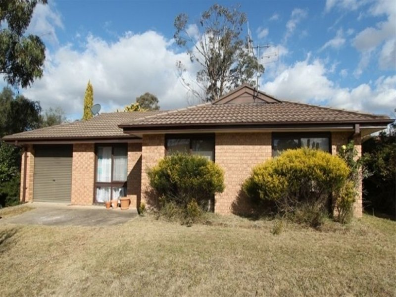 25 Bassett Drive, Bathurst, NSW 2795