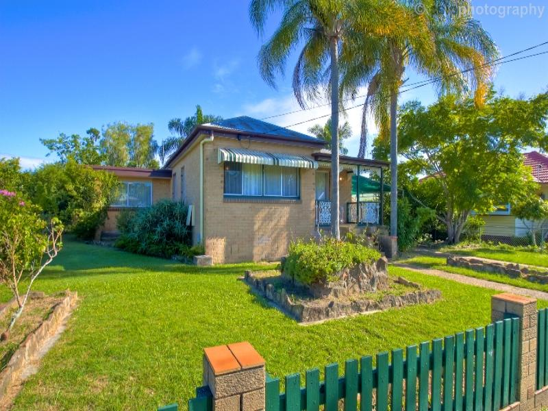 33 Phillip Street, One Mile, Qld 4305