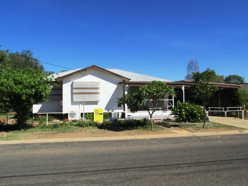 35 Swallow street, Longreach, Qld 4730