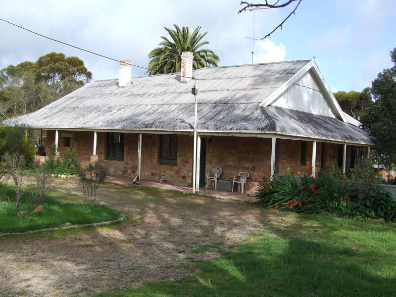2 Heards Hill Rd., Hoyleton, SA 5453