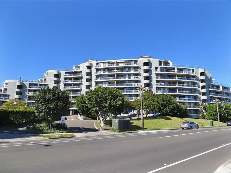 4/27 Bennelong Parkway, Wentworth Point