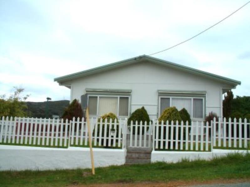 16 Elizabeth Street, Mount Melville, WA 6330