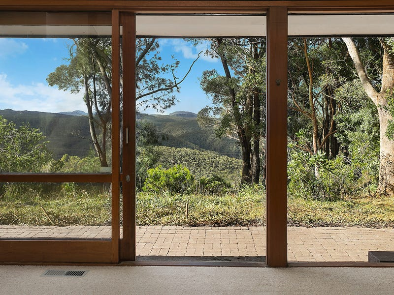 18 Claines Crescent, Wentworth Falls, NSW 2782