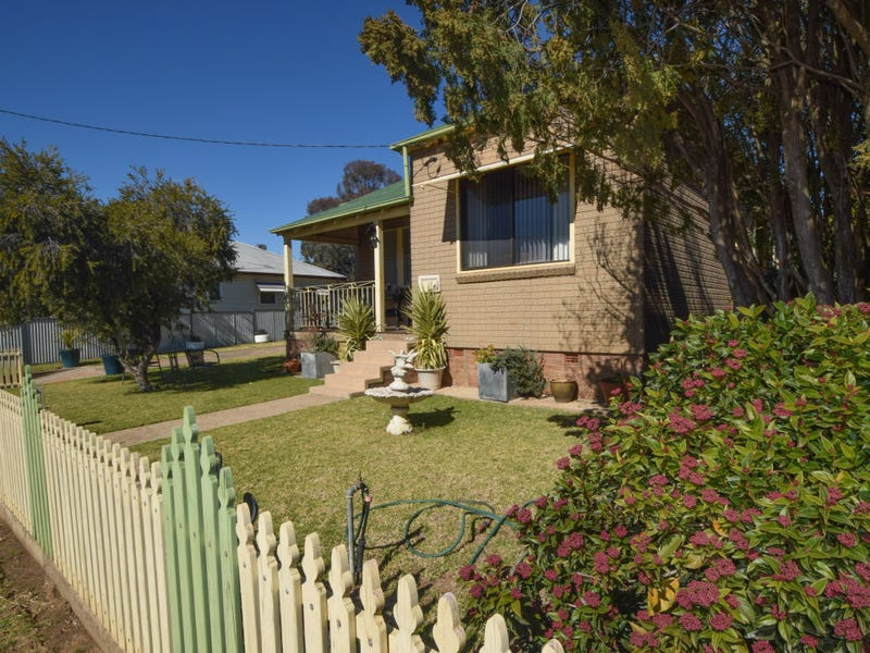 16 Miro Street, Young, NSW 2594