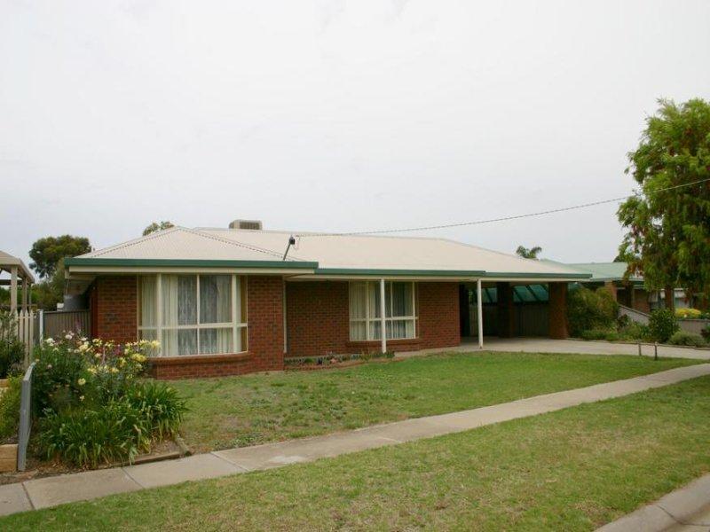 27 Poole Boulevard, Swan Hill, Vic 3585