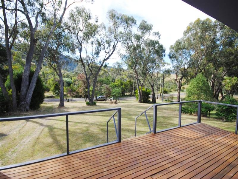 55 Jenkins Road, Macs Cove, Vic 3723