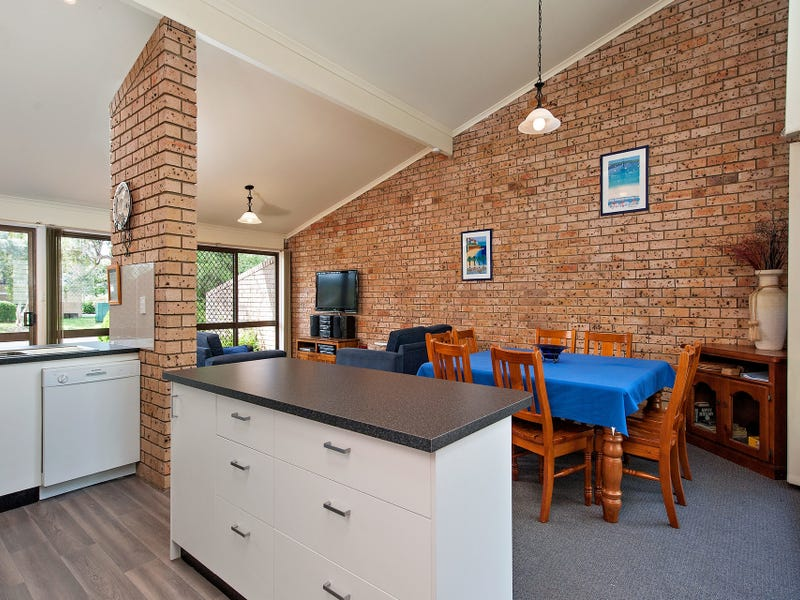 1/2 Gowrie Avenue, Nelson Bay, NSW 2315