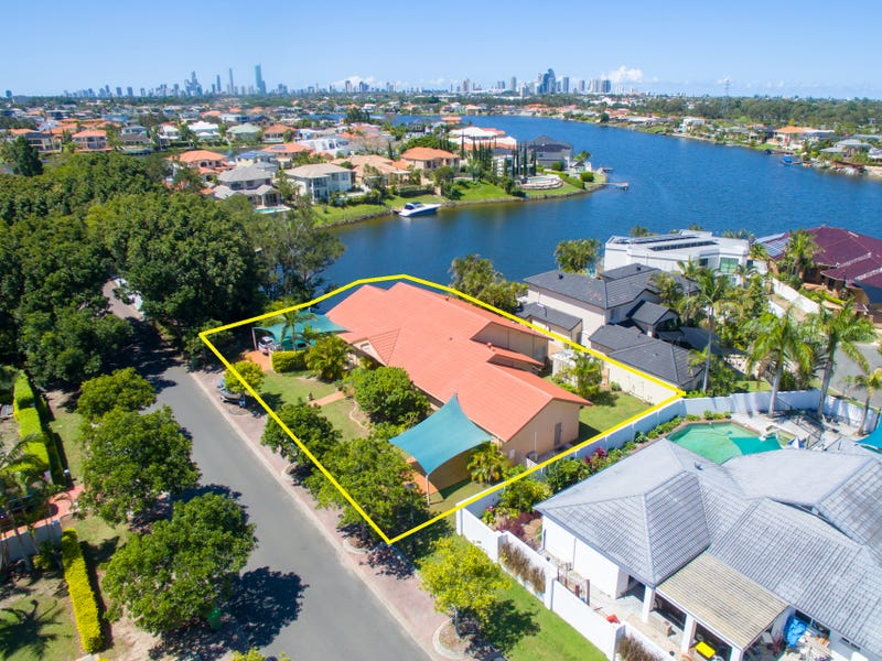 37 Clipper Boulevard, Clear Island Waters, Qld 4226