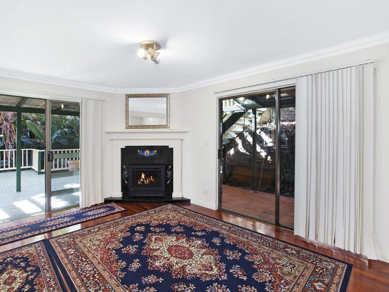 Pittwater Middle Level Place, Palm Beach