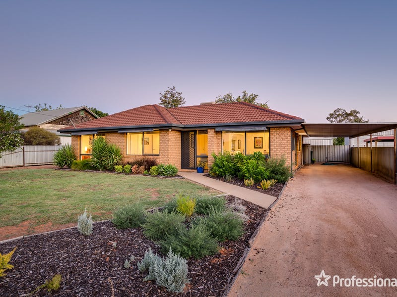 40 Armstrong Avenue, Wentworth