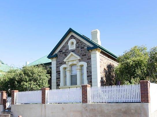 12 Kangaroo Street, Burra
