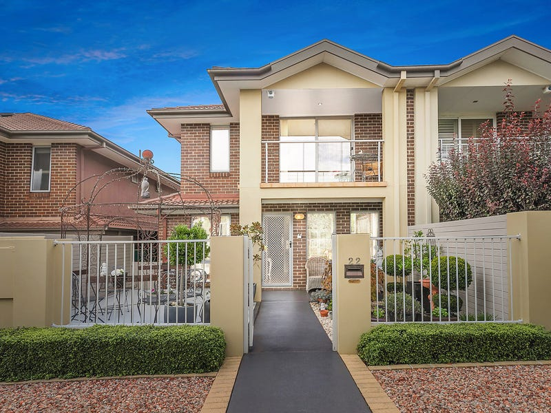 22 Moonlight Avenue, Harrison, ACT 2914